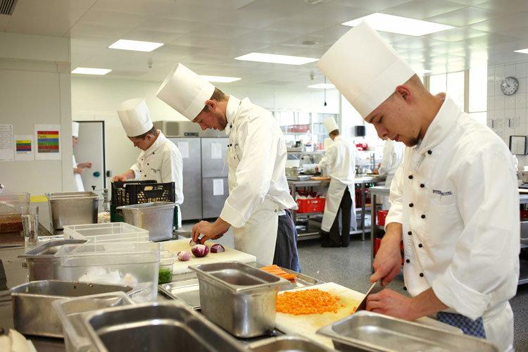 cucina-cuoco-hotel